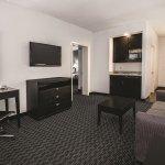 Photo de La Quinta Inn & Suites Austin - Cedar Park