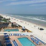 Foto de Tropical Winds Oceanfront Hotel