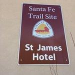 Express St. James Hotel Photo