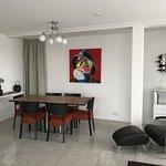Photo de Black Pearl - Reykjavik Finest Apartments