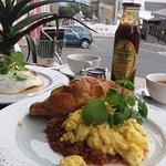 Photo de The Village Cafe