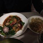 Crevettes sautées et curry thaï