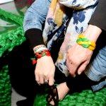 Bracelets à concevoir dans l'exposition Pris dans le filet