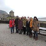 Con la dueña actual del castillo Eilean Donnan, una coincidencia