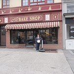 Photo de Carlo's Bakery