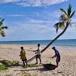 Le personnel prépare un BBQ - la plage fabuleuse et 12km de long