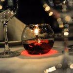 Si estás pensando en una cena romántica Cabernet es tu opción.