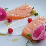 Saumon confit à l'huile de homard