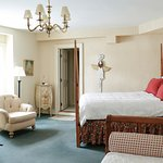Main Inn queen room with daybed