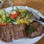 Foto de Arenas Beach Hotel Restaurant