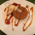 Caramel coulant with dulce de leche ice cream