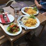 Cenmoro Cafe Bar Restaurant Foto