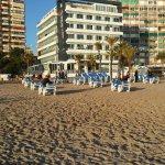Vista del Hotel Brisa desde la playa.