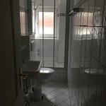 Waschraum, sehr seht eng