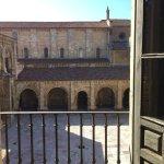 Vistas de la Real Colegiata de San Isidoro y su hotel anexo.