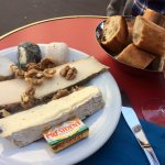 Petit fromage plate