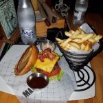 cheeseburger with bacon & fries