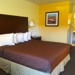 Photo de America's Best Inns & Suites