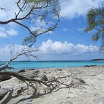 Turqoise sea, white sand. It looks like the Seychelles in Europe.
