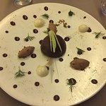 Banoffee, dôme au chocolat/crumble/saveurs anisées, oursin