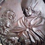 Legni intagliati con San Tommaso da Villanova