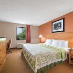 Days Inn & Suites Lancaster Photo