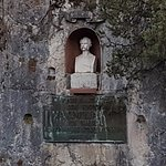 Lechfall statue in the opposite wall