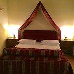 Foto hotel e via Chiaia