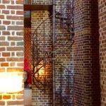 Die alte Eisentreppe ist ein Hingucker