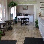 Lobby Area and Breakfast Area