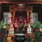 Guan yu, main worship of the temple