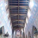 Bildeindruck von Decke und Altarbereich
