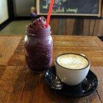 Acai smoothie and coffee