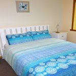 Queen bedroom in Casuarina Cottage at Eagles Rise, Sisters Beach (2 bedroom cottage).