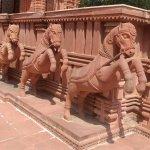 horse idols