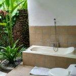 Foto de D'Tunjung Beach Resort