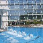 Capri-Changi-Singapore-Swimming-Pool_large.jpg