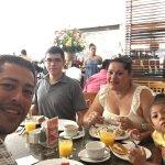 Excelente buffet desayuno, una buena atencion y muy agradable  ambiente