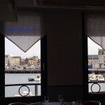 Accueil au top Homard exta Vue sur le port Carte des vin honnête