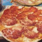 Metà pizza e metà pizza