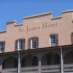 Foto de St James Hotel & Restaurant