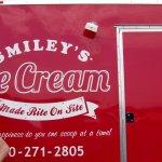 Smiley's Ice Cream Foto