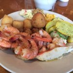 Foto de Captain George's Seafood VB