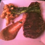 Rib eye steak, asparagus, potatoes and a very flavorful béarnaise sauce. All was wonderful!