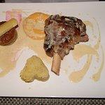 souris d'agneau avec sa sauce foie gras