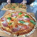 PaPaj Pizza Photo
