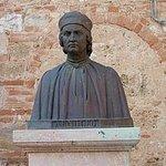 Busto e ritratto dell architetto colligiano