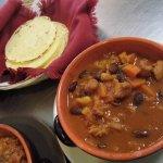 e la fine del viaggio, un Tex-Mex chili sin carne accompagnato dalle immancabili tortillas di ma