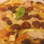 Locale molto intimo , ho cenato con il mio fidanzato , entrambi abbiamo preso la pizza e con mia