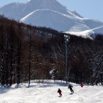 Groomed trails at Aomori Spring Resort with Mt Iwake in background. Photo by Keith Stubbs.